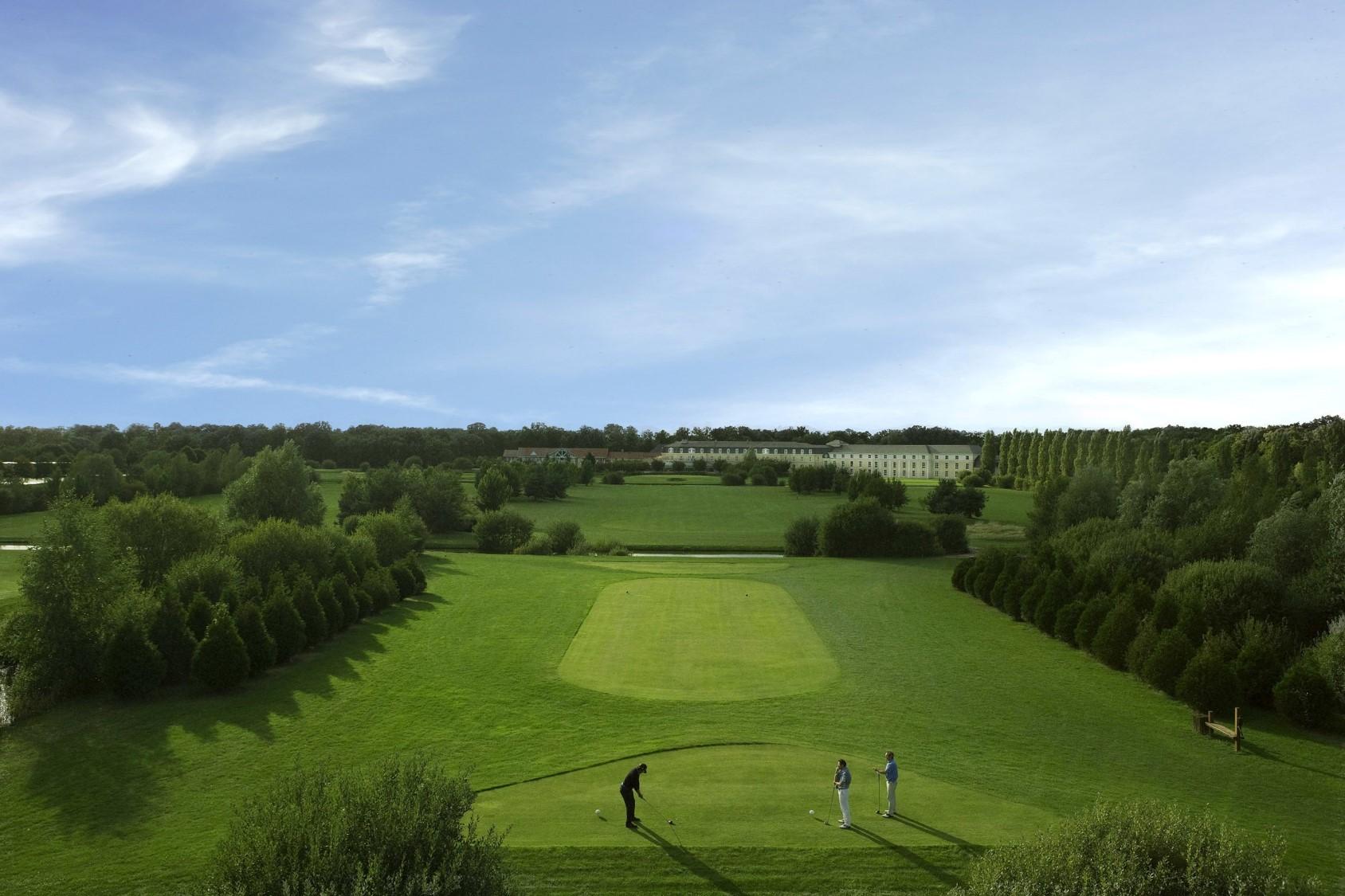 Jouez au golf en région parisienne avec UGOLF 1